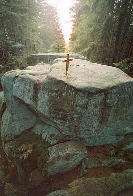 Vrcholový kámen hory Luč