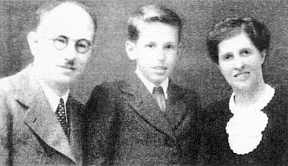 S manželkou Emilií a synem Helmutem