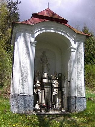 Obnovená volarská křížová cesta pod vrchem Kamenáč (Steinberg), nedaleko od někdejšího Pflegerhofu