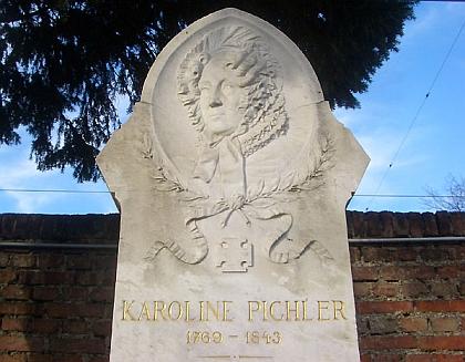 """Její """"čestný hrob"""" na vídeňském Ústředním hřbitově"""