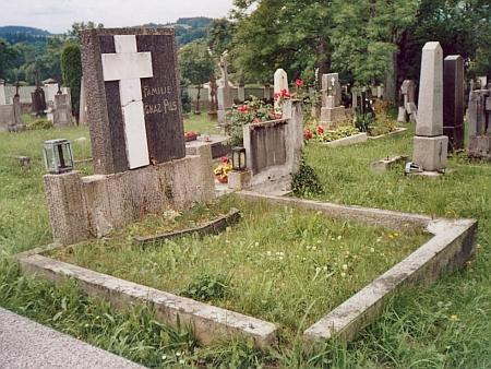 Jeho hrob v Benešově nad Černou