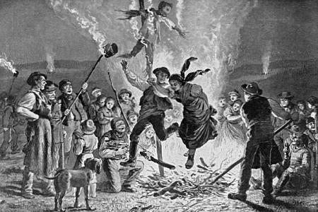 """Skákání přes """"slunovratový oheň"""", o kterém se píše v jednom z jeho textů, na starém vyobrazení,     ofotografovaném u Seidelů na adresu """"Dr. Jungbauer Leitmeritz"""""""