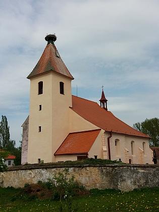 Kostely sv. Vavřince v Přídolí a sv. apoštolů Petra a Pavla ve Strýčicích, dvě jeho kněžská působiště