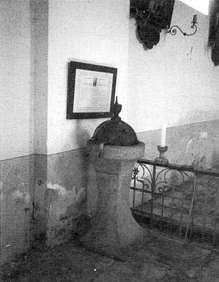 Křtitelnice kostela v Korkusově Huti na snímku z roku 2007, který zaslala do krajanského měsíčníku
