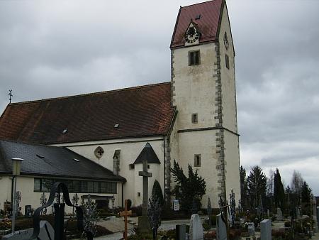 Farní kostel Nanebevzetí Panny Marie v Rainbachu