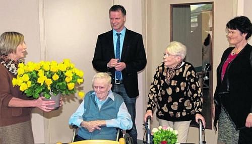 Se svou ženou Annemarií roku 2014 při oslavě diamantové svatby v rakouském městě Hirschau