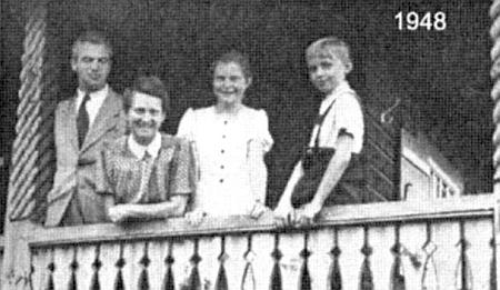 S rodinou na snímku z roku 1948