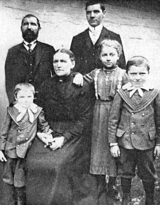 Na rodinném snímku