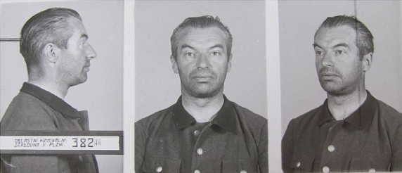 Fotografie zatčeného v roce 1946
