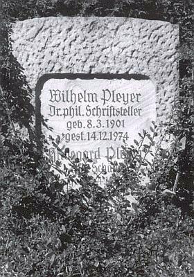 Hrob Wilhelma a Hildegard Pleyerových ve Starnberg-Söcking