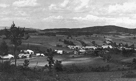 Vzácný snímek dnes zcela zaniklého Mikulova (Böhmdorf) u Cetvin