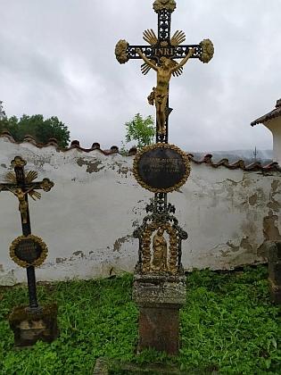 Otcův hrob ve Svérazi