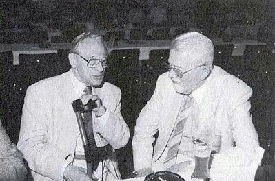 V rozhovoru s Walterem Zettlem, rovněž jako on laureátem Kulturní ceny města Pasova