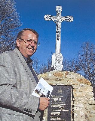 U kříže na místě, kde stál v Českých Žlebech kostel sv. Anny