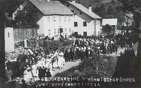 Svěcení zvonů v Českých Žlebech v září 1924