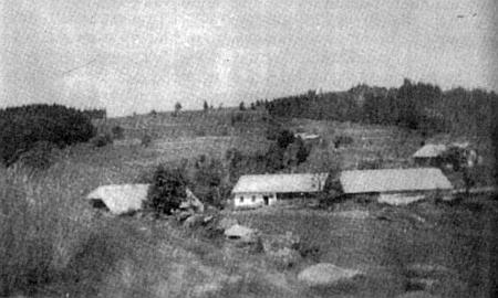 Snímek z doby kolem roku 1940 zachycuje zleva domy čp. 96, 73, 72 a 134