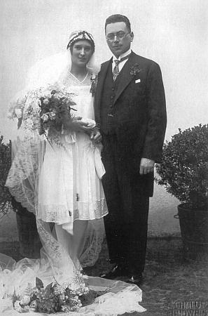 Snímek z jeho českobudějovické svatby dne 16. dubna roku 1929, pořízený vefotografickém ateliéru Augusta Chalupy, otce Gustava Chalupy