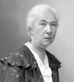 """Na jméno Posner je psána """"u Seidelů"""" tato podobenka ženy, jíž byla nejspíše Helmuthova babička z otcovy strany, tj. Anna Posnerová, roz. Kostialová z Dolní Branné (Hennersdorf)"""