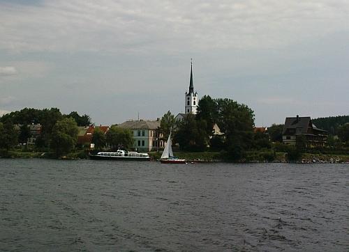 ... a v roce 2009 jako jezerní přístav