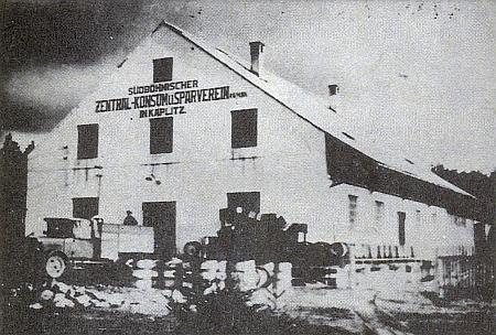 Budova filiálky konzumního sdružení v Kaplici
