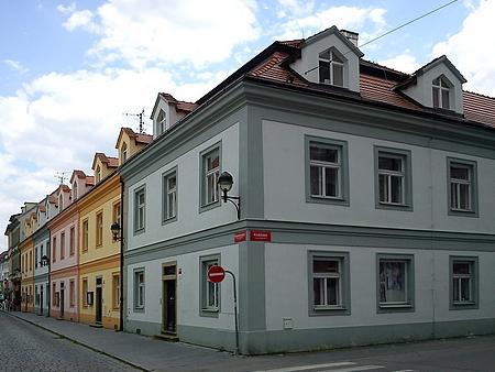 Kanovnické domy ve stejnojmenné českobudějovické ulici