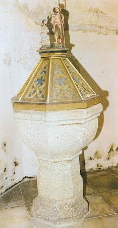 Křtitelnice kostela v Přední Výtoni nasnímku Dietera Raische