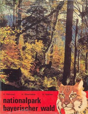 """Obálka (1972) sborníku prací o Národním parku Bavorský les, kde je otištěna i jeho stať """"Erd- und Landschaftgeschichte des Bayer. Waldes"""", tj. Geologická a krajinná historie Bavorskéholesa"""