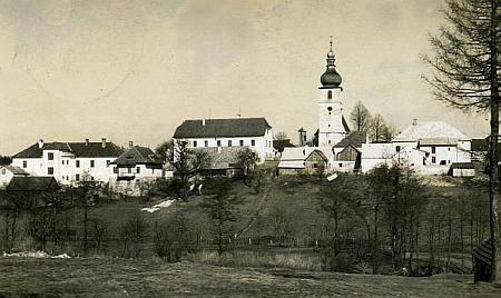 Rychnov u Nových Hradů na pohlednici Josefa Wolfa
