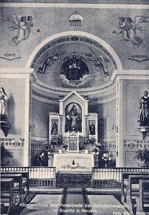 Interiér klášterního kostela školských sester v Bystřici nad Úhlavou