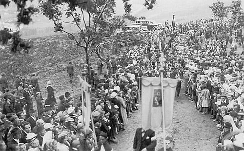 """Sušická pouť u """"Anděla Strážce"""" ve třicátých letech dvacátého století, ještě """"za republiky"""""""