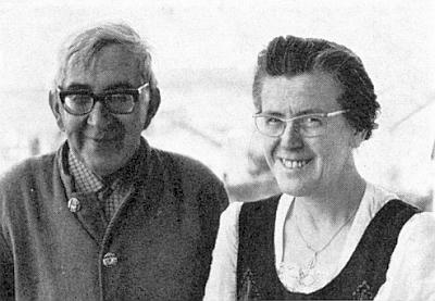 Se svou ženou Marií, betlémářkou rodem z oblasti polské řeky Varty (za války připojené k nacistické říši jako tzv. Reichsgau Wartheland), kterousi vzal vroce 1952