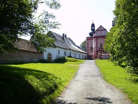 Stejný pohled na poutní kostel Narození Panny Marie z roku 2012