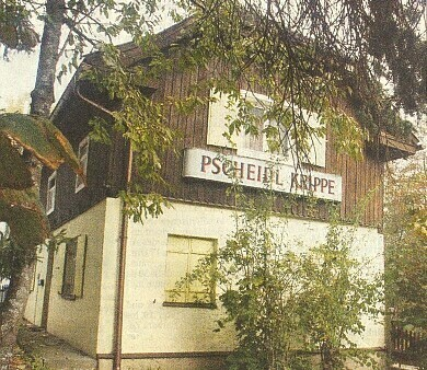 Dům u mostu Ludwigsbrücke v Regenu, kde byly až do velké povodně roku 2002 umístěny