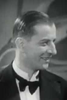 """V roli Jonnyho ve filmu """"Eva"""" z roku 1935"""