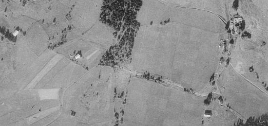 Rodná Huť pod Boubínem na leteckých snímcích z let 1951 a 2008