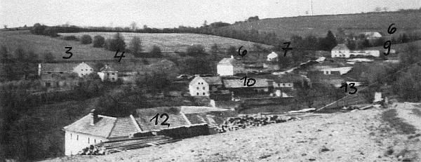 Zaniklé Skupečné s čísly svých stavení na staré pohlednici