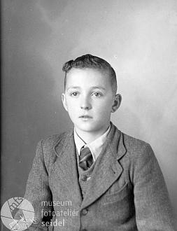 Na snímku z ledna 1945...