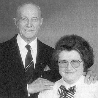 Zlatá svatba Franze a Kathariny Puxových vrakouském Freistadtu 27. června 1993