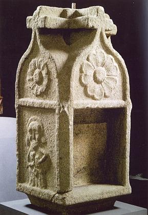 """Kaplice"" božích muk z jeho rodné Kamenné (Sacherles) na snímku z roku 2006"