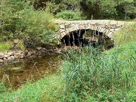 Mostek na Vchynicko-tetovském kanále