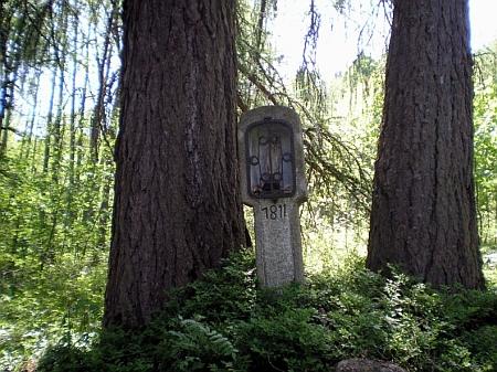 Dodnes stojící zelenohorská Boží muka s letopočtem 1811