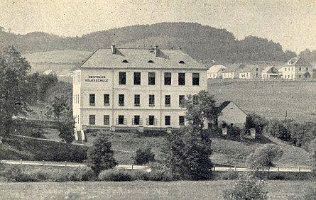 Německá škola v Kájově, kde také učil