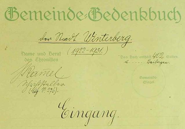 """Záhlaví (1922) pamětní knihy města Vimperka s jeho podpisem - jako povolání kronikářovo uvedl """"spisovatel"""""""