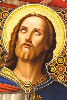 Detail Kristovy hlavy z okna vimperského kostela