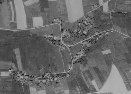 Tak zachycují rodnou ves klasika šumavské německé literatury letecké snímky z let 1950 a 2008