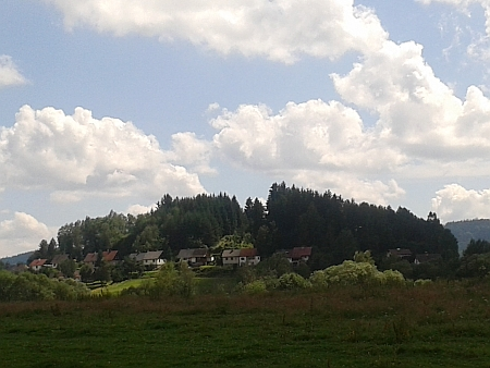 Pohled na část obce Hory s novou zástavbou v roce 2014