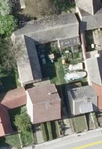 Současný letecký snímek místa (2017), kde v Žáru stával statek čp. 2 - z původního objektu zůstaly jen stodoly (historický letecký snímek z padesátých let 20. století je bohužel v tomto případě nekvalitní, takže porovnání není možné)