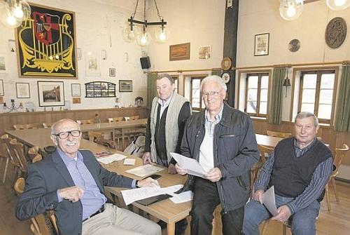 S kolegy ze spolkového života v Esslingeru: zleva Karl Rehberger, Josef Kröner, Oswald Sonnberger a Hans Reitinger