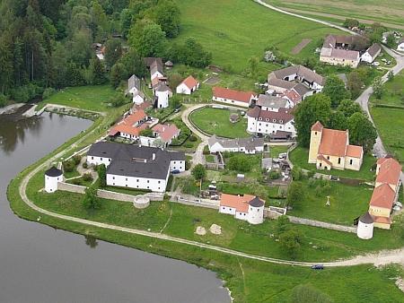 Letecký pohled na Žumberk