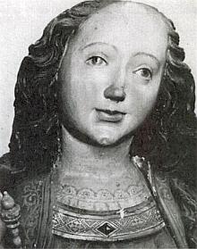 Detail hlavy Madony strýčické před restaurováním sochy z roku 1965